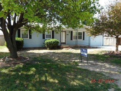 Saline County Single Family Home For Sale: 1308 Bradshaw Drive
