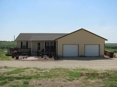 Clay Center Single Family Home For Sale: 664 9th Road
