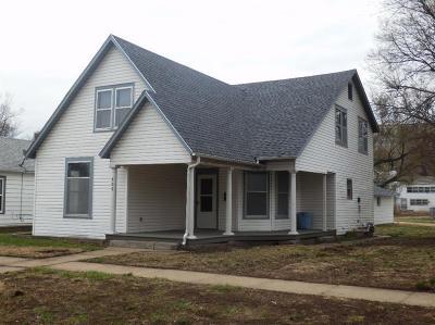 Abilene Single Family Home For Sale: 206 Northeast 5th Street
