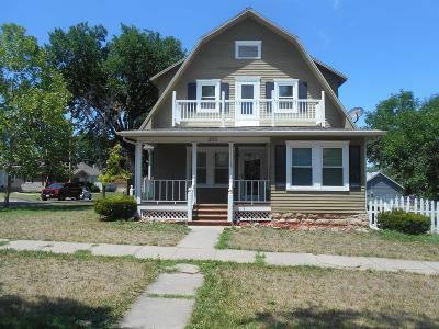 Herington Single Family Home For Sale: 202 East Walnut Street