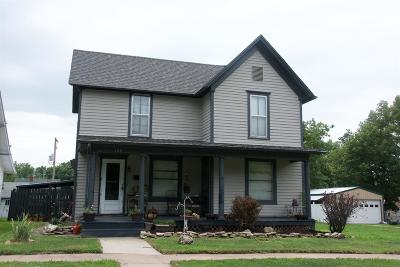 Dickinson County Single Family Home For Sale: 120 Northeast 8th