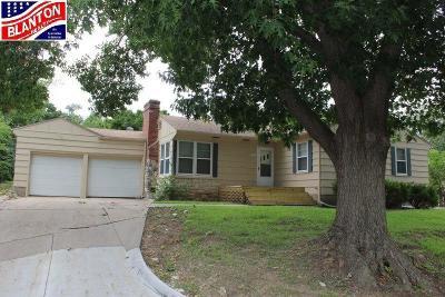 Manhattan Single Family Home For Sale: 529 Edgerton