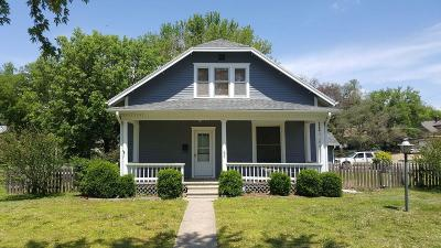 Dickinson County Single Family Home Contingent: 325 Northeast 7th Street