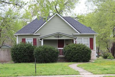 Dickinson County Single Family Home For Sale: 1019 West 1st