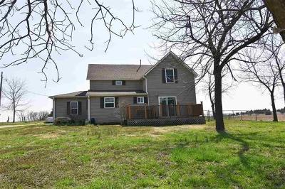 Herington Single Family Home For Sale: 2352 Highway 4