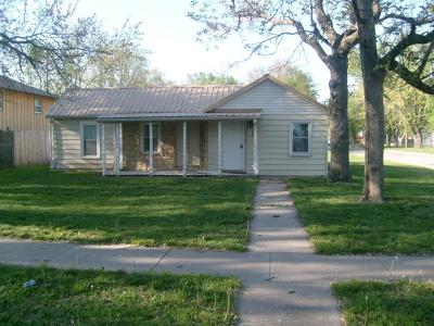 Junction City Single Family Home For Sale: 602 West 12th Street