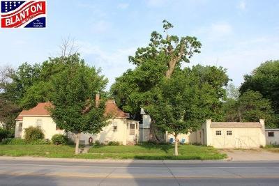 Manhattan Single Family Home For Sale: 400 Laramie Street