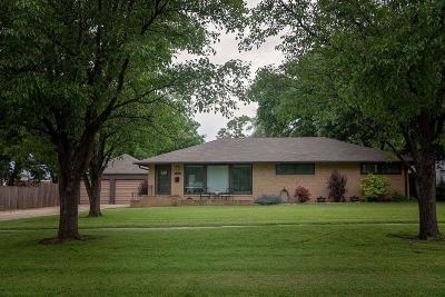 Abilene Single Family Home For Sale: 109 Northeast 13th Street