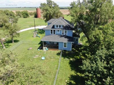 Dickinson County Single Family Home For Sale: 2864 Lark Road