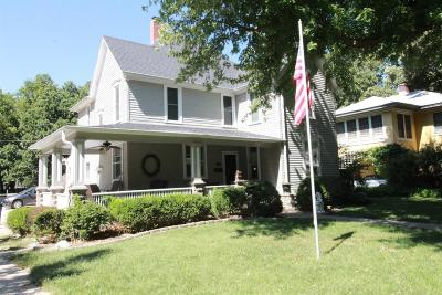 Single Family Home For Sale: 308 North Vine