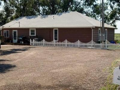 Garden City KS Single Family Home For Sale: $295,000