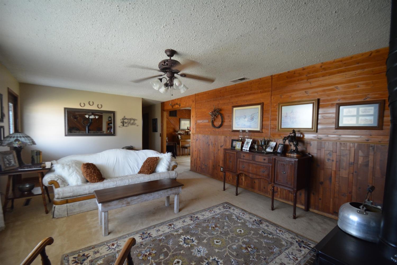 14505 Ivanhoe Road Garden City, KS. | MLS# 16338 | Fred Askren ...