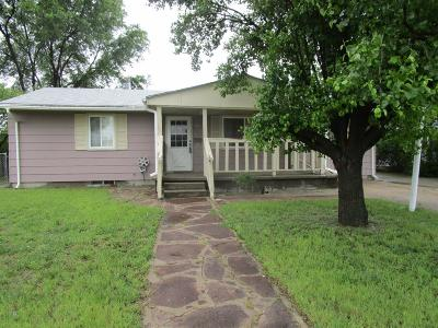 Garden City Single Family Home For Sale: 510 Meeker Drive