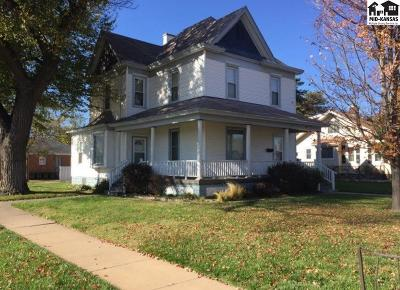 Single Family Home For Sale: 203 N Main St
