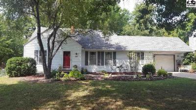 Buhler Single Family Home For Sale: 352 W 1st St