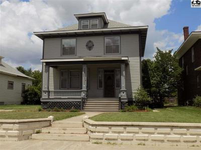 Single Family Home For Sale: 114 E 12th Ave