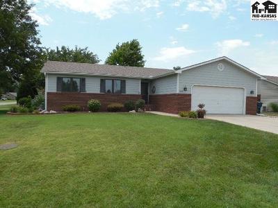 Hutchinson Single Family Home For Sale: 229 E 36th Ave