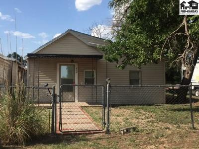 Single Family Home Sale Pending: 512 E Park St