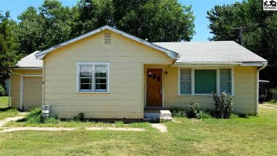 Haven Single Family Home For Sale: 204 S Topeka St