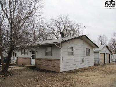 Buhler Single Family Home For Sale: 207 W C Ave