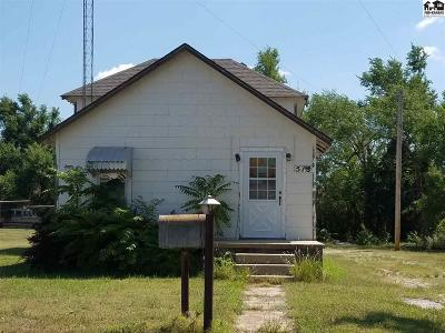 Pratt KS Single Family Home For Sale: $69,900