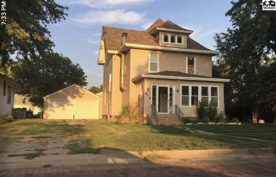 Single Family Home For Sale: 414 S Workman St