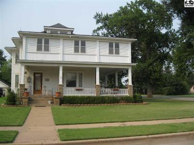 Pretty Prairie Single Family Home For Sale: 402 W Main St