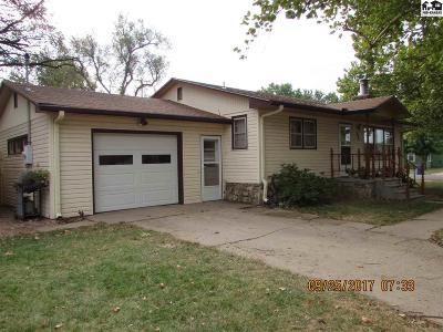 Buhler Single Family Home Uc/C-Continue To Show: 224 S Dirks St
