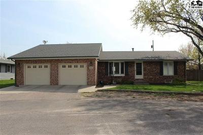 Buhler Single Family Home For Sale: 932 Rainbow Ct