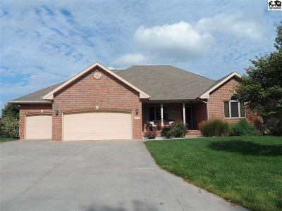 Hesston Single Family Home Contingent Other Co: 32 Parkview Rd