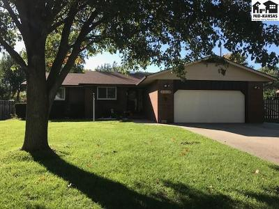Single Family Home For Sale: 3315 Nutmeg Ln