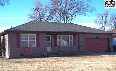 South Hutchinson Single Family Home For Sale: 231 E Forest Ave
