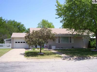 Pratt KS Single Family Home For Sale: $135,000