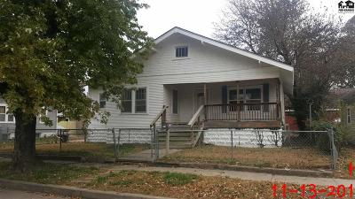 Single Family Home For Sale: 1215 N Maple St