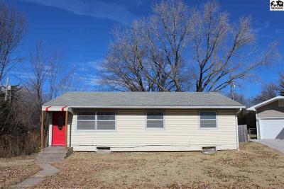 Buhler Single Family Home For Sale: 120 Ratzlaff