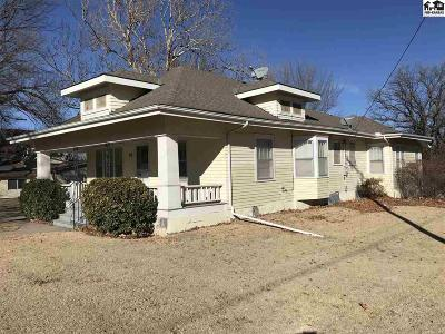 Moundridge Single Family Home For Sale: 112 W Pack St