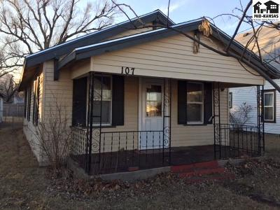 Single Family Home For Sale: 107 N Waldron St