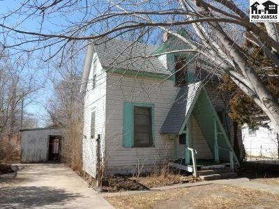 Lindsborg Single Family Home For Sale: 124 S 1st St