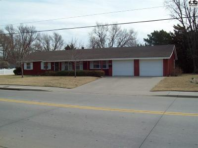 McPherson KS Single Family Home For Sale: $146,000