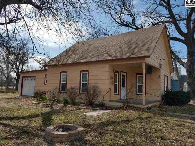 Sterling Single Family Home For Sale: 301 W Main St