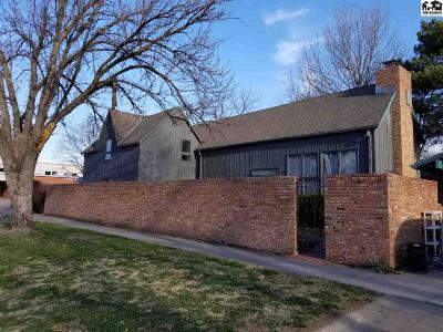 Lindsborg Single Family Home For Sale: 130 W State St