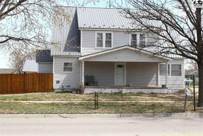 Single Family Home For Sale: 522 N Broadway Ave