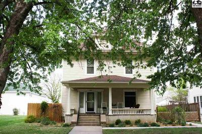 Pratt Single Family Home For Sale: 408 S Oak St