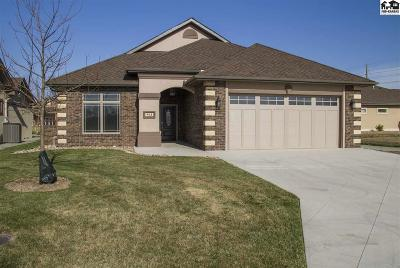 McPherson Single Family Home For Sale: 902 Veranda Cir