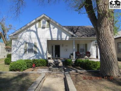 Pratt KS Single Family Home For Sale: $125,000