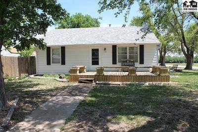 Buhler Single Family Home For Sale: 436 S Dirks