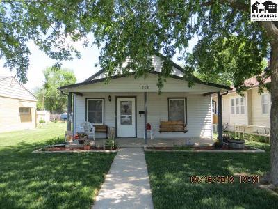 Single Family Home For Sale: 706 Champa St