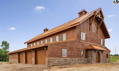 Reno County Single Family Home For Sale: 610 E 85th Ave