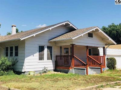 Nickerson Single Family Home For Sale: 8 W Avenue B