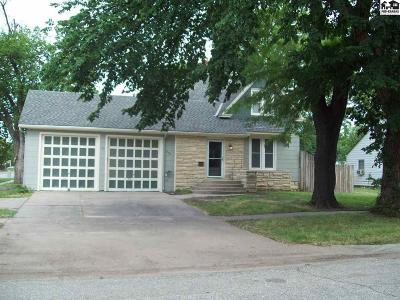 McPherson KS Single Family Home For Sale: $174,000